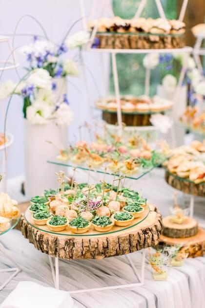 Canapés et toasts gourmands de mariage